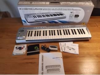 Behringer UMX49 master-keyboard