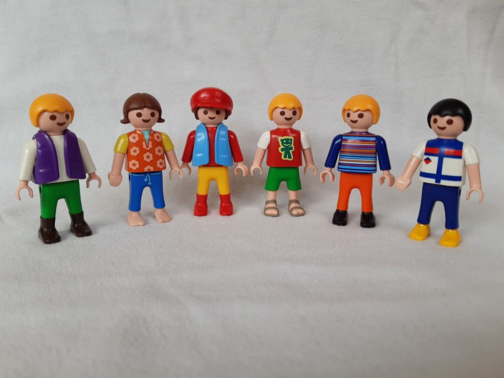 6 Playmobil kinderen
