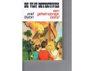 De vijf detectives – Een geheimzinnige brand – Enid Blyton