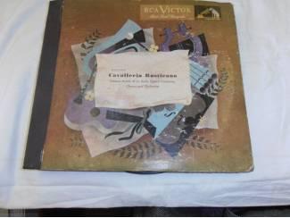 Verzameling 9 x 78-toeren platen in album Cavalleria Rusticana