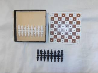 Miniatuur schaakspel