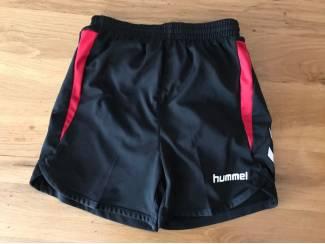 Hummel Sportbroek kort MT128