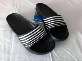 Sportkleding en Sportschoenen Jako bad/sport slippers Zwart maat 40