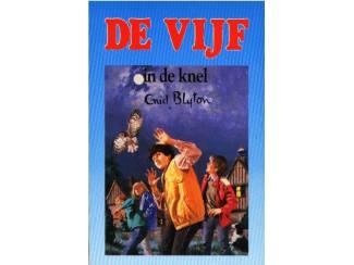 De Vijf dl 8 - De Vijf in de knel - Enid Blyton - blauw