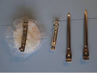Kettingen Ketting diverse soorten en materialen kettingen .
