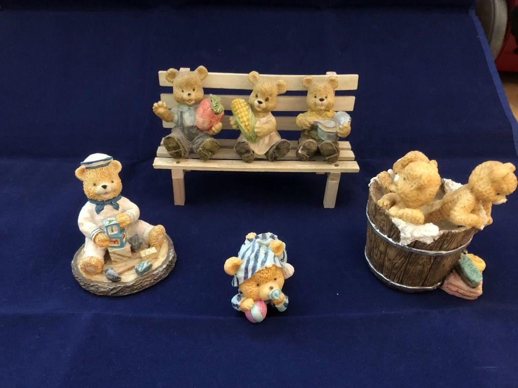 Beelden beer beren beeldjes bank tobbe blok speen