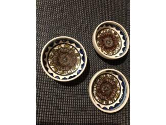 Porselein, Kristal en Bestek 3 aardewerk bakjes bedoeïenen Oosten Israël schaaltjes set 3st