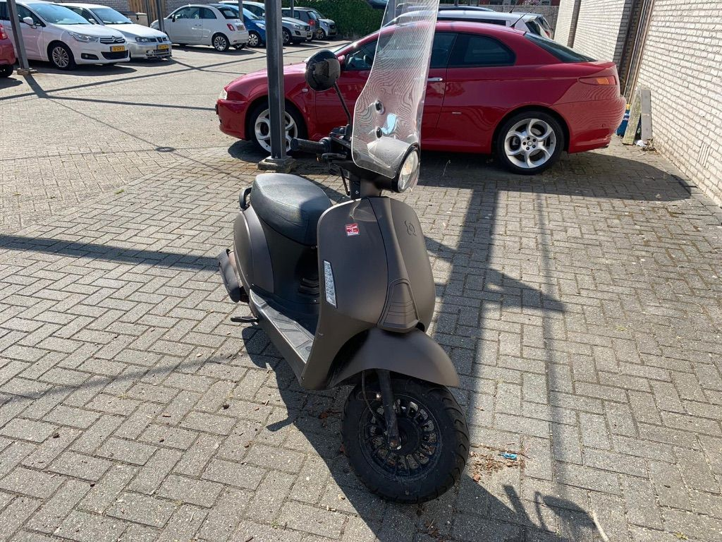 AGM snor scooter