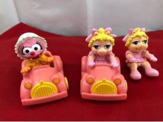 Muppets Miss Piggy en Animal in autootjes set