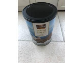 Blikken Blik Feiny Biscuits wafer sticks dark chocolate met deksel.