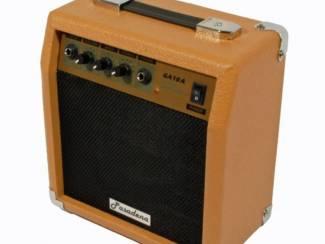 Microfoonversterker / Gitaarversterker 10W RMS bruin