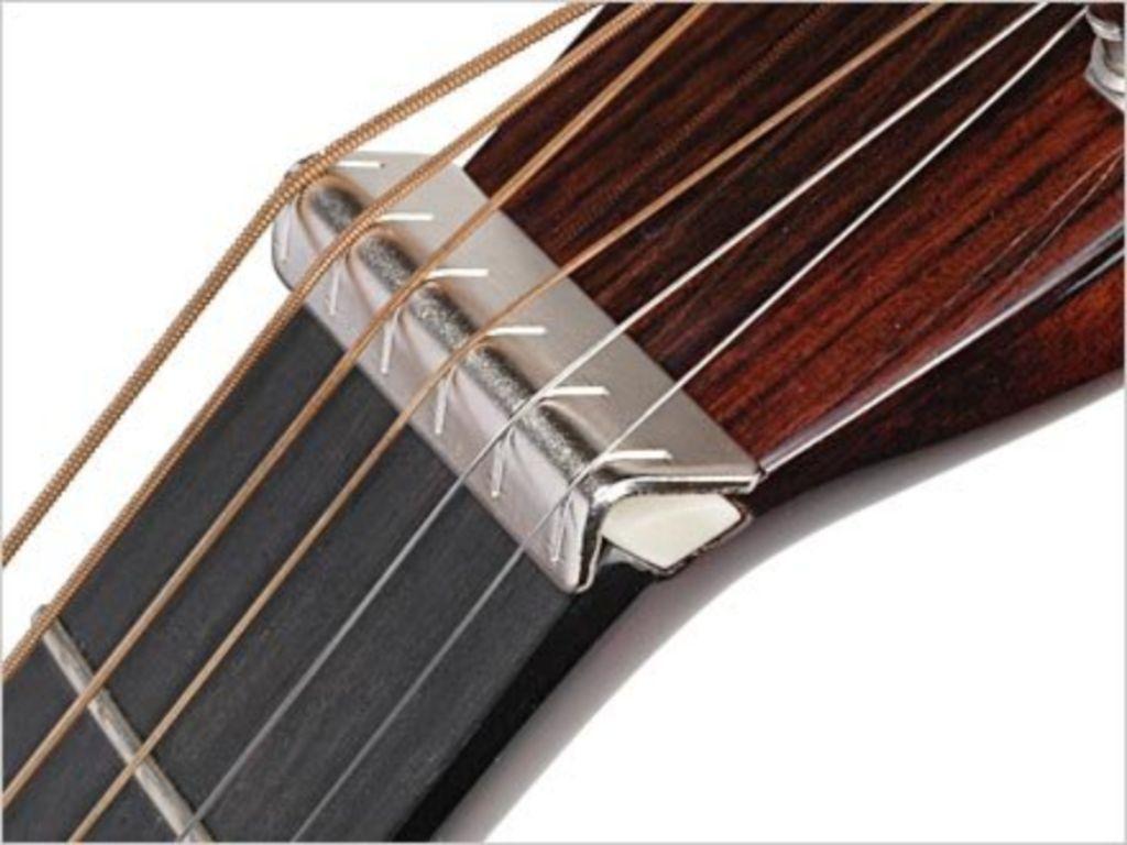 Metal nut raiser voor slide gitaar